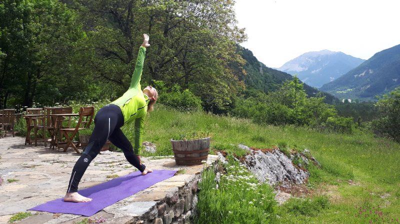 Pireneje, slowandactive, treking z jogą, joga w górach