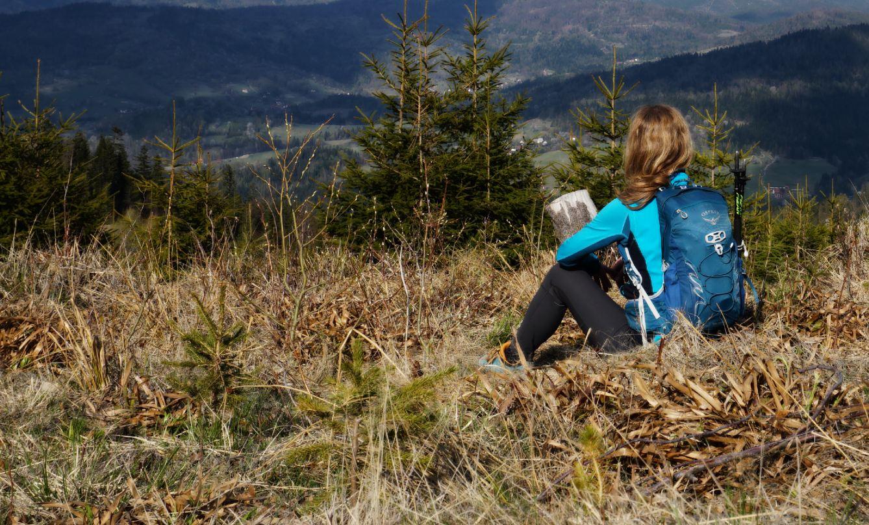 Joga w górach, wakacje z jogą, wyjazdy aktywne, aktywne wczasy w Polsce, relax, trekking, Ania Kopera, kąpiele leśne, mindful walking